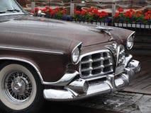 Klassisk bil för USA med regndroppar Arkivfoton