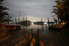 Klassisk brygga för fiskebåt på natten Royaltyfria Foton