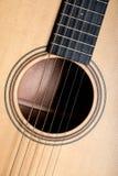 Klassisk closeup för akustisk gitarr Arkivbild