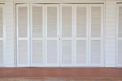 klassisk dörrwhite Arkivbilder