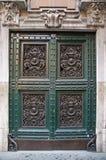 klassisk dekorerad dörr Fotografering för Bildbyråer