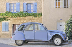 klassisk fransk provinsiell platsby Royaltyfri Bild