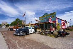 Klassisk gåva och coffee shop på historiska Route 66 i Seligman, Arizona Fotografering för Bildbyråer