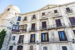 Klassisk gammal byggnad i Barcelona Arkivfoton
