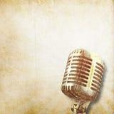 Klassisk gammal mikrofonbakgrund Royaltyfri Bild