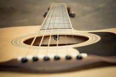 Klassisk gitarrcloseup? På vit bakgrund Fotografering för Bildbyråer