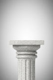 Klassisk grekisk kolonn för sten Arkivfoton