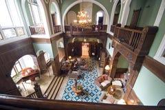 klassisk hotellvardagsrum Royaltyfria Bilder