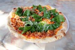Klassisk italiensk pizza Royaltyfri Fotografi