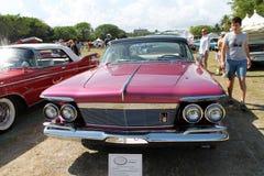 Klassisk lyxig amerikansk bil Arkivfoton
