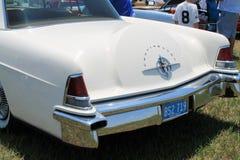 Klassisk lyxig amerikansk bilbaksidadetalj Arkivfoto
