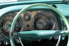 Klassisk lyxig amerikansk bilinre Arkivbilder