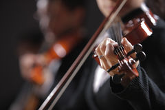 Klassisk musik. Violinister i konsert Fotografering för Bildbyråer