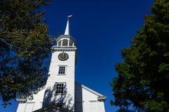 Klassisk New England kyrka Royaltyfri Fotografi