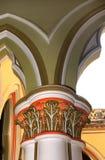 Klassisk planlagd pelare i slotten av bangalore royaltyfria bilder