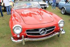 Klassisk röd mercsportbil Royaltyfri Foto