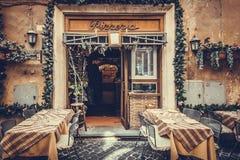 Klassisk restaurang för pizzeria i tappningfärger Royaltyfri Bild