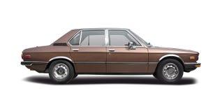 Klassisk sedanbil BMW 520 Arkivfoto