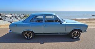 Klassisk silver Ford Escort Motor Car Parked på sjösidapromenad Fotografering för Bildbyråer