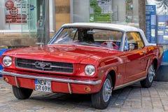 Klassisk sportig cabriolet av 60-tal Royaltyfria Bilder
