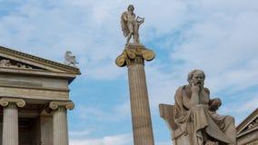 Klassisk staty av Socrates och Apollo lager videofilmer