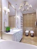 Klassisk stil för ljust badrum Royaltyfri Foto