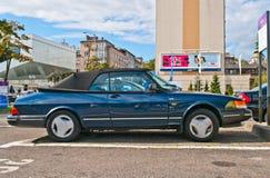 Klassisk svensk parkerad cabriobil Arkivfoto