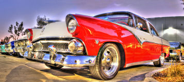 Klassisk 50-tal Ford på skärm Fotografering för Bildbyråer