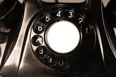 Klassisk visartavla av en gammal bakelitetelefon bakgrund isolerad white royaltyfri fotografi