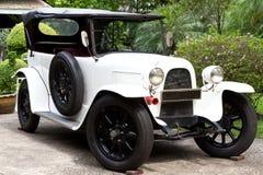 klassisk white för bil Royaltyfri Bild