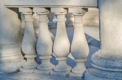 Klassiska baluster i arkitekturhelhet Arkivbilder