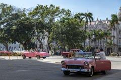 Klassiska bilar för tappning i havannacigarren, Kuba Royaltyfri Foto