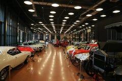 Klassiska bilar i det Koc museet Arkivfoto