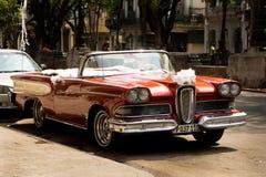 Klassiska bilar i havannacigarren, Kuba Arkivfoton