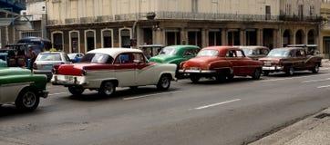 Klassiska bilar i havannacigarren, Kuba Fotografering för Bildbyråer