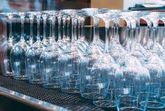 Klassiska exponeringsglas för rött vin Royaltyfri Fotografi