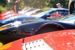 Klassiska Ferrari 512 uppställda bbisportbilar Arkivbilder