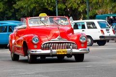 klassiska havana för amerikansk bil gammala gator Arkivbilder