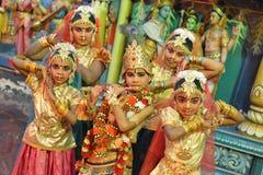 Klassiska indiska dansare Arkivbild