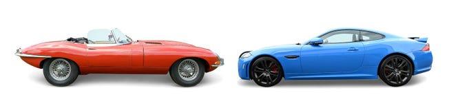 Klassiska Jaguar med moderna Jaguar arkivfoto
