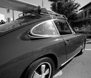 Klassiska Porsche 911 på en bilshow royaltyfria bilder