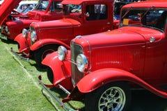 klassiska röda lastbilar Arkivfoto