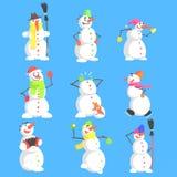 Klassiska snögubbear som göras av tre, kastar snöboll teckenet - uppsättning Arkivfoto