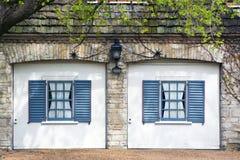 klassiskt europeiskt garage Royaltyfri Fotografi
