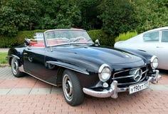klassiskt gammalt för svart bil Arkivbild