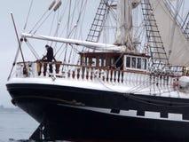 Klassiskt gammalt segelbåtakterdäck Arkivfoton