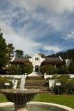 klassiskt holländskt lantgårdhus för udd Royaltyfria Foton