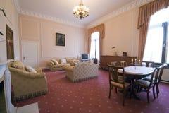 klassiskt hotellrum royaltyfri bild