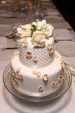klassiskt litet bröllop för cake Royaltyfri Bild