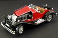 klassiskt lyxigt rött retro för bil Arkivbilder